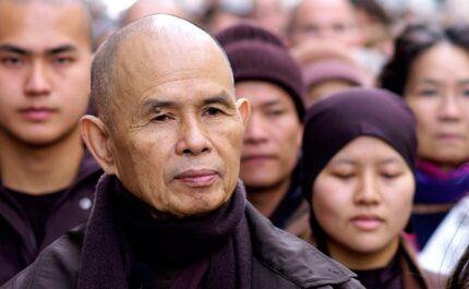 La marche méditative avec Thich Nhat Hanh